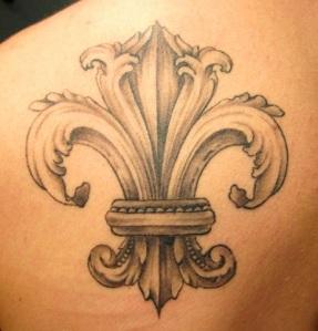 incredible-flor-de-lis-tattoo