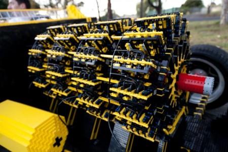 lego-engine-up-close-640x426