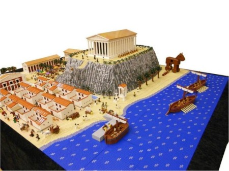 Ancient-Greek-town-made-by-Lego-1-640x480