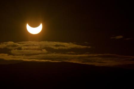 Partial_solar_eclipse_Tromsø_2011-05-31
