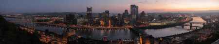 Pittsburgh_dawn_city_pano