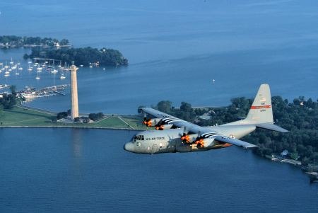 C-130H_Ohio_ANG_over_Perry_Monument_2008