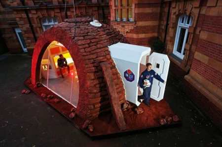 first-ever-martian-show-home-on-display-in-london-1