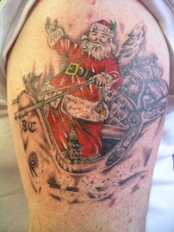 santa-claus-tattoo-on-shoulder
